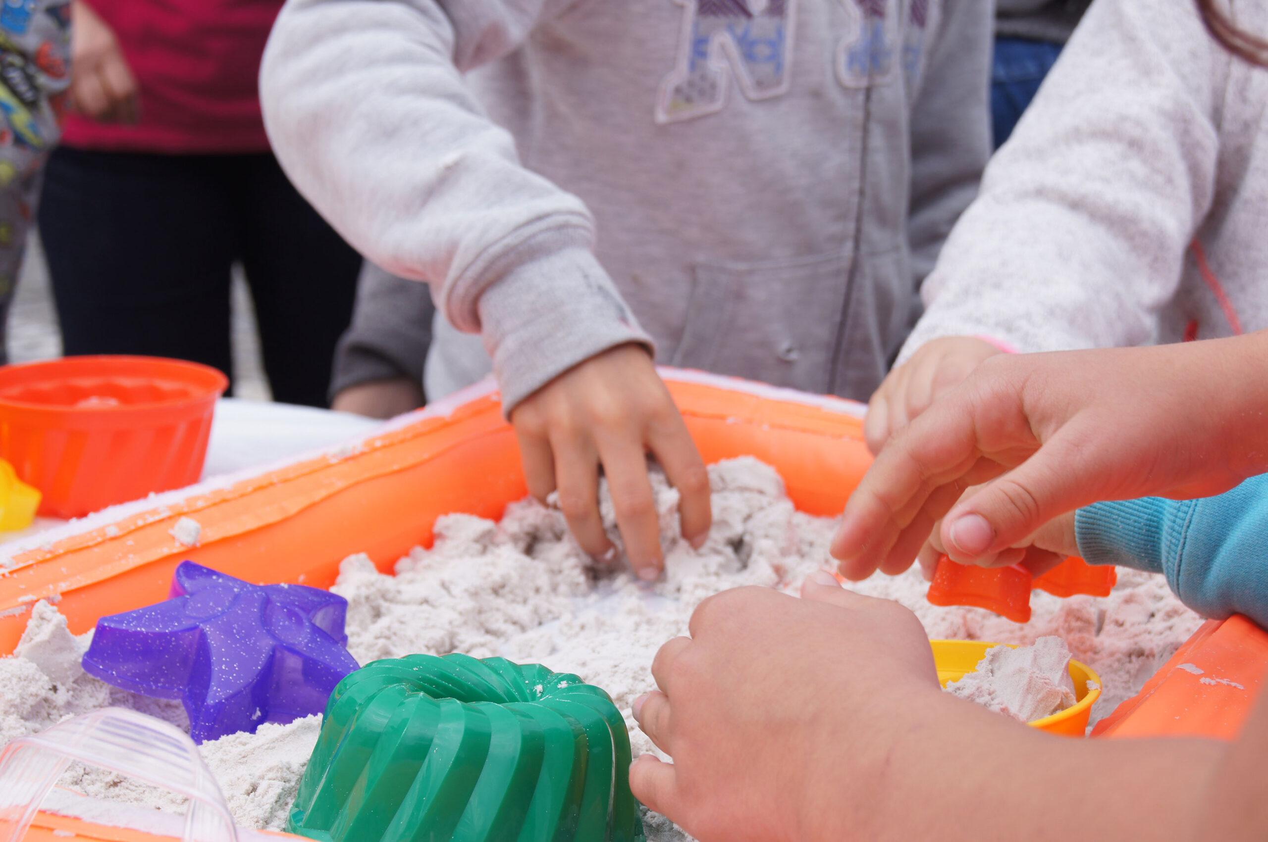 Langenthal Spieltag Kinder Sandkasten