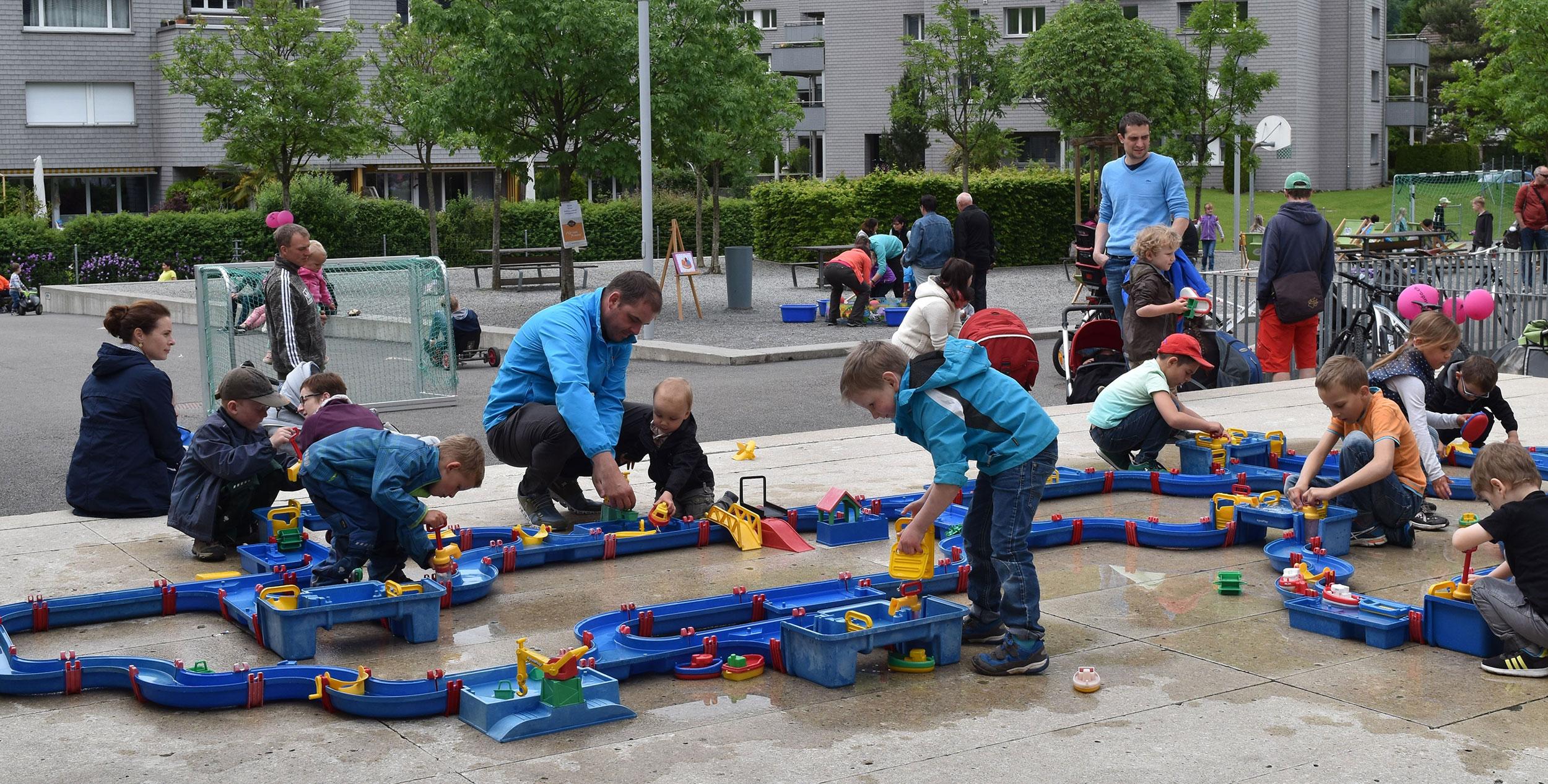 Stans Spieltag Kinder spielen